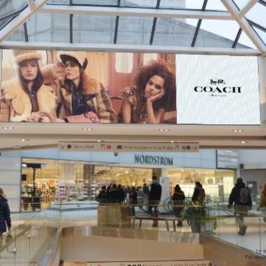 Coach - Malls - CF Rideau Centre - Digital Spectacular (Ottawa, Ontario)