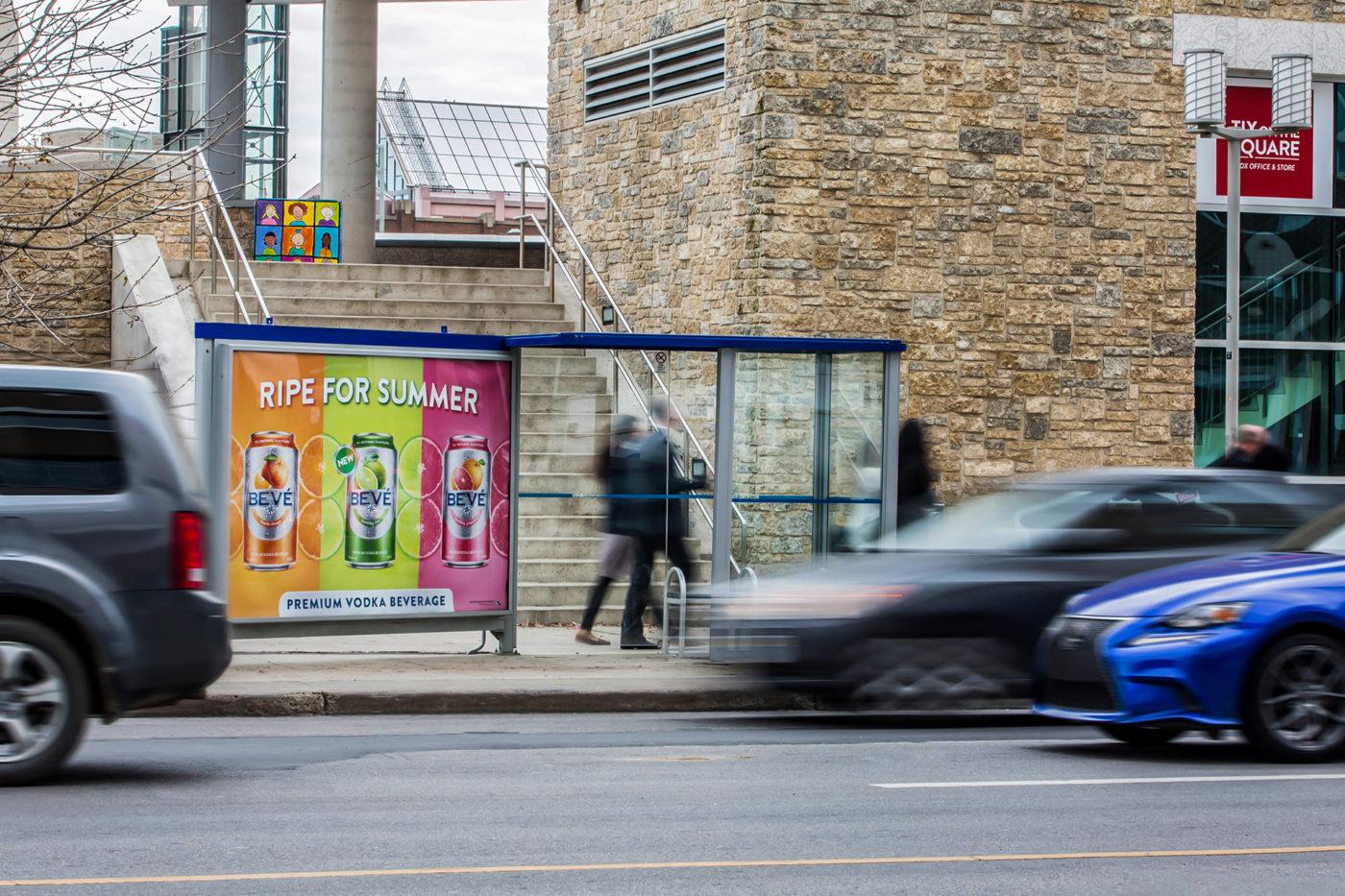 Beve - Ripe For Summer - Mobilier urbain– super abribus du centre-ville (Edmonton, Alberta)
