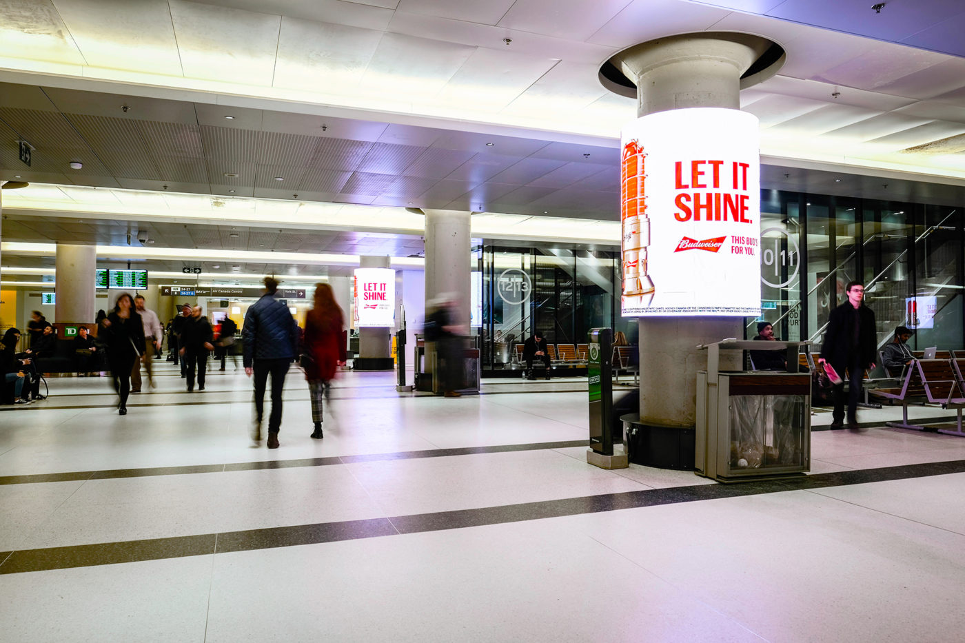 Budweiser - Let It Shine - Union Station - Digital Column Network (Toronto, Ontario)
