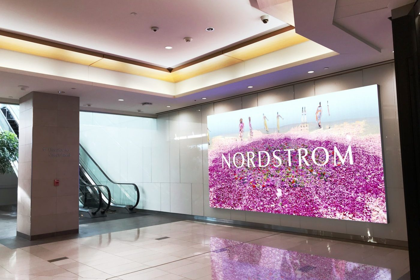 Nordstrom - Malls - CF Pacific Centre - Digital Video Wall (Vancouver, British Columbia)