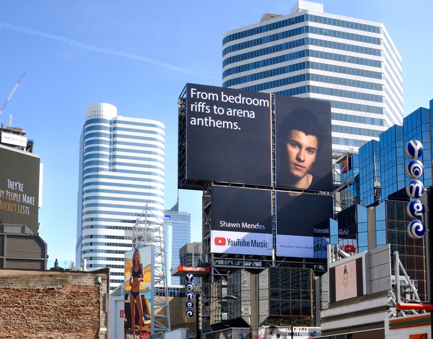 YouTube Music - Shawn Mendes - Square Yonge-Dundas– spectaculaires– domination d'AOB Tour Nord (Toronto, Ontario)